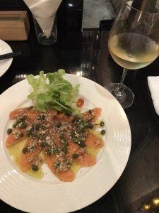 サーモンカルパッチョ,バンコク,シーロムエリア,安い日本食居酒屋,クルーズレストラン